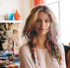 obsessed with this hair. i've seen it done with chalk and paint, but this one is colored spray.