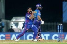 डिजिटल डेस्क, चेन्नई। दिल्ली कैपिटल्स (DC) ने IPL 2021 सीजन के 13वें मैच में मुंबई इंडियंस (MI) को 6 विकेट से शिकस्त दी। दिल्ली की यह लगातार दूसरी जीत है। इसी के साथ टीम पॉइंट टेबल में नंबर-2 पर पहुंच गई है। दिल्ली ने अब तक 4 में से 3 मैच जीते हैं। इस मुकाबले में DC के स्पिनर अमित मिश्रा ने 4 विकेट लिए। इसके बाद ओपनर शिखर धवन ने 44 रन की पारी खेलते हुए टीम को जिताया। मुंबई की टीम ने टॉस जीतकर पहले बैटिंग करते हुए 9 विकेट गंवाकर 137 रन बनाए। इसके जवाब में दिल्ली टीम ने 4 विकेट गंवाकर 138 रन…