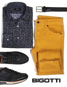 Coloured Jeans, Mens Attire, Stylish Men, Romania, Crowd, Bermuda Shorts, Men's Fashion, Menswear, Shades