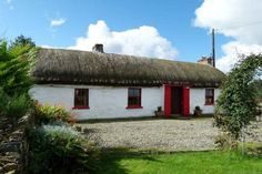 Self catering holiday cottages in Donegal, Ireland. A wide selection of holiday home providers throughout county Donegal Self Catering Cottages, Irish Cottage, Irish Traditions, Donegal, Heaven On Earth, Dream Vacations, Celtic, Porch, September