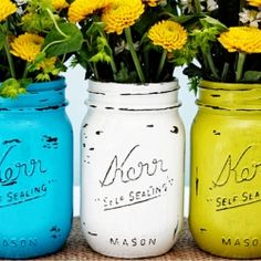 These fabulous Vintage Inspired Painted Mason Jars offer a great pop of color and versatility to any room.  Super easy too!
