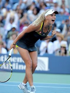 Caroline Wozniacki - The beastly moment when you hit the tennis ball perfectly and hear the *pop* sound as it hits your racquet and lands right in the back corner of your opponent's court. Wta Tennis, Sport Tennis, Tennis Racket, Jouer Au Tennis, Foto Sport, Tennis World, Botas Sexy, Tennis Players Female, Tennis Stars