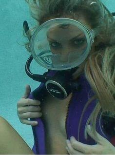 Scuba Wetsuit, Diving Wetsuits, Scuba Diving Gear, Women's Diving, Diving Suit, Cave Diving, Deep Sea Diver, Underwater Pictures, Scuba Diving Equipment