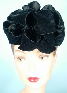 Gladys Skillings, New Canaan, CT Black Velvet Ribbon Tilt Hat Fancy Hats, Cool Hats, 1940s Outfits, Vintage Outfits, 1940s Fashion, Vintage Fashion, Fascinator Hats, Fascinators, Love Hat