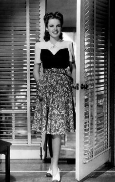 Judy Garland, 1941....Loved her old movies as a young woman. Meet Me In St Louis was my favorite...still is.