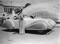 Maharani Stella de Kapurthala poses with her 1937 Talbot-Lago in front of the Trocadéro in Paris.