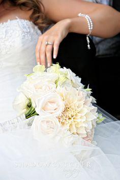 Beautiful bridal bouquet Great photos of bride http://www.shadowcatcherimagery.com shadowcatcher_imagery_sabdiegoweddingphotographer_aa00161.jpg (720×1080)