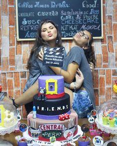 2,100 seguidores, 1,829 seguindo, 312 publicações - Veja as fotos e vídeos do Instagram de Maria Eduarda (@e.duardamedeiros) Friends Birthday Cake, Friends Cake, 13th Birthday Parties, 14th Birthday, Friend Birthday, Birthday Party Themes, Friends Tv, 40th Party Ideas, Secret Party