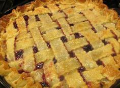 Super Easy Cherry Pie - i want to make - Pie Recipes Easy Pie Recipes, Kraft Recipes, Healthy Recipes, Yummy Recipes, Chicken Recipes, Healthy Food, Canning Cherry Pie Filling, Canned Cherries