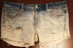 diy distressed bleach ombre shorts http://liking-loving-it.tumblr.com/post/23103055815/diy-distressed-bleached-ombre-shorts