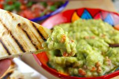 Guasacaca is to Venezuelan cuisine what guacamole is to Mexican gastronomy. Not as universal and creamy as guacamole, guasacaca is an avocado based sauce with red wine vinegar. Mexican Dishes, Mexican Food Recipes, Vegetarian Recipes, Mexican Meals, Spanish Recipes, Healthy Recipes, Ketchup, Grilling Recipes, Cooking Recipes