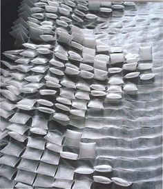 UN BELLISSIMO BOARD DI PINTEREST: TEXTILES, TEXTURES AND FABRIC MANIPULATION