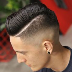 Summer Haircuts For Men - High Skin Fade with Long Side Swept Hair # coiff men Mens Summer Hairstyles, Summer Haircuts, Cool Haircuts, Hairstyles Haircuts, Haircuts For Men, Fresh Haircuts, Medium Hairstyles, Wedding Hairstyles, High Skin Fade