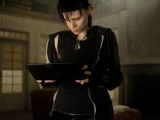 Rooney Mara, star of The Girl with the Dragon Tattoo, reveals the secret numerological system behind David Fincher's adaptation of the Stieg Larsson thriller David Fincher, Rooney Mara, Tattoo Girls, Girl Tattoos, Christopher Plummer, Daniel Craig, Cute Dragon Tattoo, Dragon Tattoos, Tattoo Photo