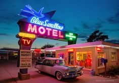 If Route 66 is your thing, then get to Tucumcari tonight! This is vintage roadside Route 66 at its finest! A great day trip from Albuquerque. New Mexico Road Trip, Road Trip Usa, Old Route 66, Route 66 Road Trip, Historic Route 66, Travel Route, Travel Oklahoma, Rv Travel, Blue Swallow Motel