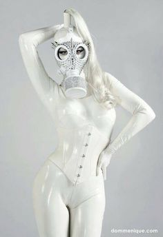 White latex catsuit and fancy gas mask Latex Fashion, Fetish Fashion, Sexy Latex, Heavy Rubber, Latex Girls, Poses, Sensual, Robin, Hot Girls