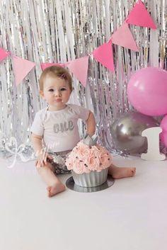 First birthday, cakesmash, cake smash, silver, zilver, pink, roze