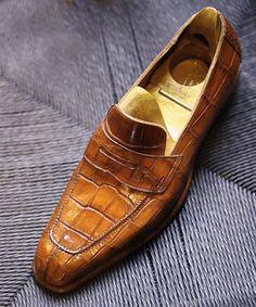 7204464cb1d Classic Alligator Penny Loafer Business Shoes for Men