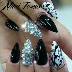 Black & White ♡♡