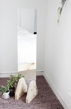 DIY: minimal floor mirror