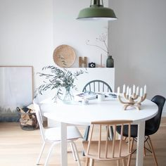 Dining Area, Dining Table, Scandinavian Home, Home Living Room, Furniture Design, Table Decorations, Interior Design, House Styles, Space