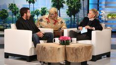 Jake Gyllenhaal Gets Scared....LMFAO!!!