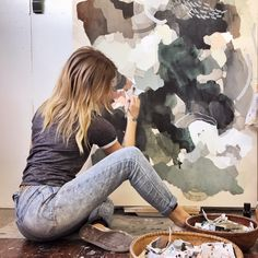 Sarah Delaney abstract artist in studio