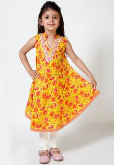 #kids kurti #jabongworld #kids clothing Dresses Kids Girl, Kids Outfits, Sewing For Kids, Sewing Ideas, All Things Cute, My Princess, Free Clothes, Pattern Fashion, Dress Patterns