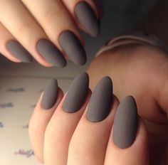 Low-key gorgeous 30 matte nails design ideas must to try The trend of nails changes with the seasons. In this winter, matte nails are gradually popular. matte nails has this low-key gorgeous appearance and excellent texture, which is loved by ladies. Stylish Nails, Trendy Nails, Cute Nails, Grey Matte Nails, Matte Nail Art, Milky Nails, Nagel Hacks, Minimalist Nails, Minimalist Skincare