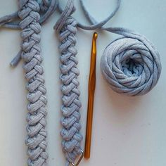 No automatic alt text available. Crochet I Cord, Crochet Clutch, Crochet Purses, Crochet Shawl, Macrame Square Knot, Crochet Handles, Foundation Single Crochet, Yarn Bag, Knit Basket