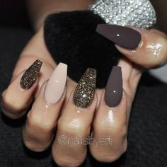 Here at Best Nail Art we are dedicated to finding the very best nails on the planet. Lucky for us, there are so many wonderful nail artists doing crazy good design work and even DIY artists crushing the game. Here you will find 56 of the Best Nails for 2018! These nails will blow you …