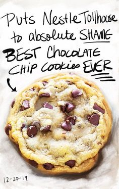 Looking for the best chocolate chip cookies EVER? you're in the right place. These cookies are BIG, soft, chewy, and totally divine. Chocolate chip cookies are Cookie Desserts, Just Desserts, Delicious Desserts, Dessert Recipes, Best Chocolate Chip Cookie Recipe Ever, Homemade Chocolate Chip Cookies, Perfect Chocolate Chip Cookies, Chocolate Chip Recipes, Yummy Cookies
