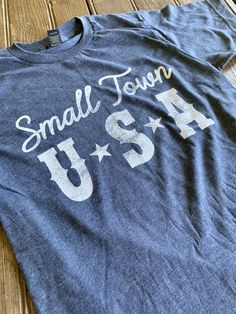 Country Saying Shirts, Country Girl Shirts, Cute Country Girl, Cute Country Outfits, Southern Outfits, Western Outfits, Western Shirts, Shirts For Girls, Country Girl Clothing