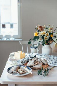 Helpot ruisleivät eli ruispalat kotona | Annin Uunissa Most Delicious Recipe, Yummy Food, Bread, Table Decorations, Recipes, Furniture, Home Decor, Decoration Home, Delicious Food