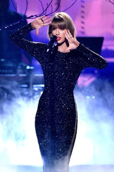 "Taylor Swift singing ""Out of the Woods"" at the 58th Grammy Awards 2016 on February 15, 2016."
