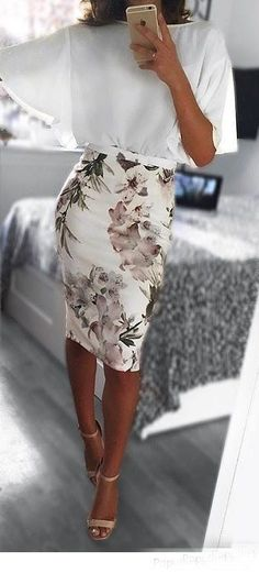 Office look | Loose sleeves white blouse with floral pencil skirt #PencilSkirts
