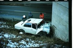 Classic Car News Pics And Videos From Around The World Mercedes W114, Old Vintage Cars, Import Cars, Car Crash, Vehicles, Transportation, Safety, Scale, Funny
