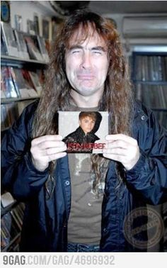 Never thought that Steve Harris, Iron Maiden's bassist could cry...