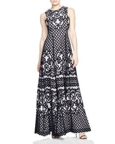 Vera Wang Lace Gown | Bloomingdale's