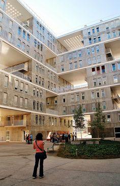 40 Edificio Celosia MVRDV y B. LLeó Social Housing Architecture, Parasitic Architecture, Hotel Architecture, Green Architecture, Concept Architecture, School Architecture, Residential Architecture, Architecture Design, Classification Des Arts