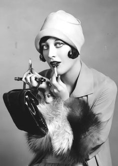 Style + Grace || Joan Crawford, 1926