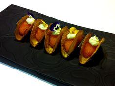 Potatistacos med löjrom och wasabi | Recept från Köket.se