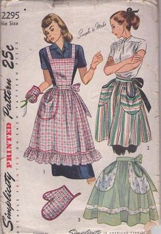 MOMSPatterns Vintage Sewing Patterns - Simplicity 2295 Vintage 40's Sewing Pattern GORGEOUS Simple to Make Lucy Retro Housewife Half with Round Pockets or Full Bib Apron Set, Pot Holder, Oven Mitt One Size