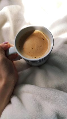 ITAP of my coffee. Feeds Instagram, Cool Instagram, Coffee Bar Home, Aesthetic Coffee, Cover Photo Quotes, Coffee Photos, Food Snapchat, Morning Inspiration, Coffee Photography
