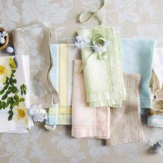 Williams Sonoma Easter Bunny Hop Botanical Cotton Dinner Napkins Set of 4 New