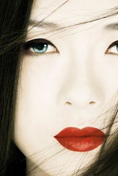 Memoirs of a Geisha - not guilty about this. LOVE it and it always makes me cry. Portrait Pictures, Portraits, Geisha Book, Samurai, Geisha Makeup, Girl Iphone Wallpaper, Memoirs Of A Geisha, Beautiful Asian Women, Japanese Art