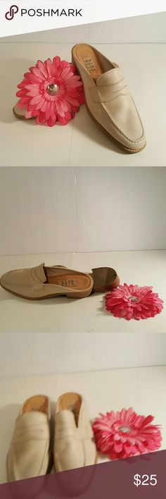Nine West loafer mules Beige loafer mules great condition,  little mark on top of left shoe. Sole lining is off. Nine West Shoes Flats & Loafers