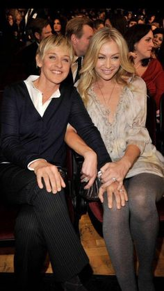 Ellen Degeneres And Portia De Rossi In Their Seats At The 2009 People S Choice Awards