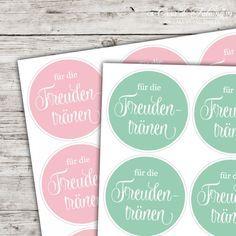 Textaufkleber - swash - für die Freudentränen: Kombinieren Sie die Hochzeitsaufkleber für die Freudentränen-Taschentücher mit unsere weissen Papiertüten in A7 und ...