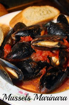 Terrific Healthy Italian Steamed Mussels Marinara – fresh and flavorful and best served with crusty bread. The post Healthy Italian Steamed Mussels Marinara – fresh and flavorful and best served with crusty bread…. appeared first on Amas Recipes . Mussels Seafood, Steamed Mussels, Seafood Pasta, Seafood Dinner, Clams, Seafood Marinara Recipe, Seafood Appetizers, Shellfish Recipes, Mussels Recipe Tomato